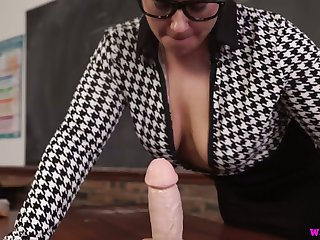 Chubby nerdy MILF Ashley Rider is eager to play with her face cock