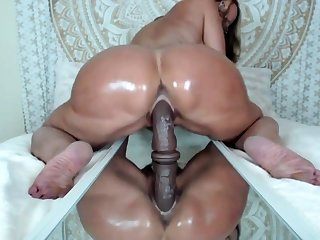 Milf Jude toys pussy and ass on webcam